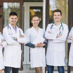 El Sergas contrata a 83 médicos de familia y 16 pediatras que acaban de finalizar el mir