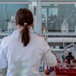 Los técnicos de laboratorio critican que no se les tenga en cuenta para ser vacunados